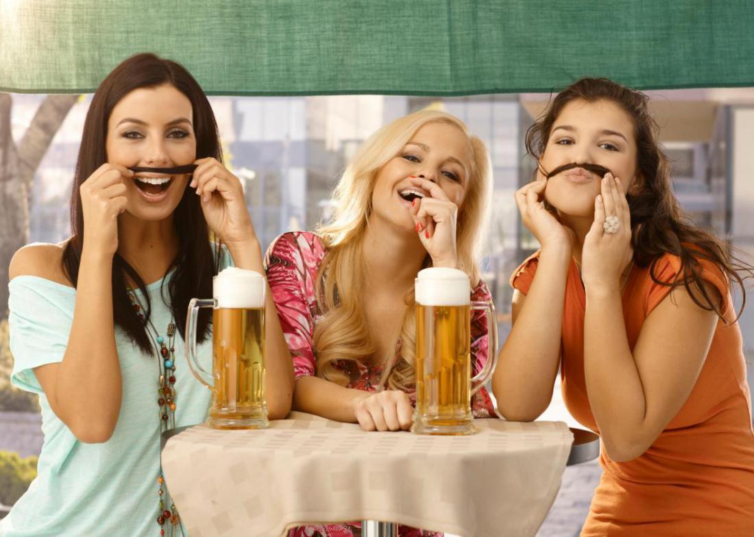 Как правильно вести себя с пьяной девушкой?
